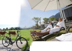 Nach einer gemütlichen Radtour auf dem E-Bike ist Zeit für Entspannung in der Rupertustherme
