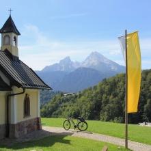 Weiter Ausblick auf Berchtesgaden und die Berge